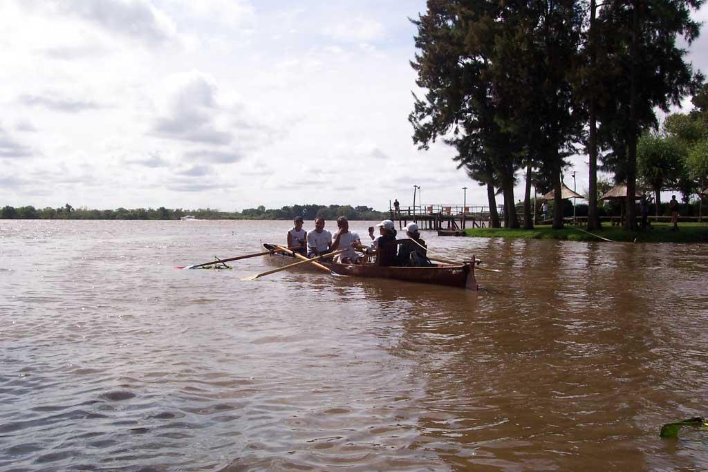Tigre Delta Remo por el Delta
